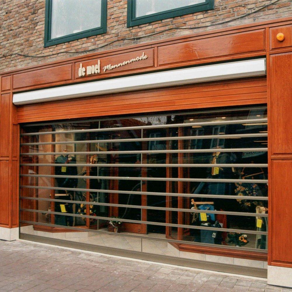 rolluik-transparant-kledingwinkel-01.jpg