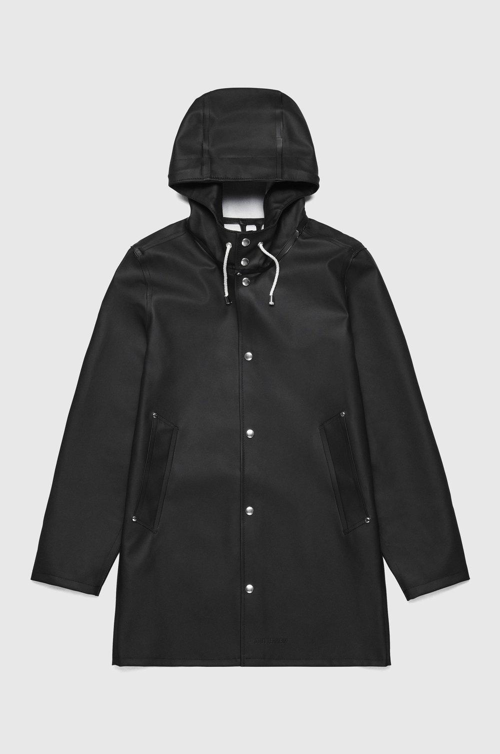 stutterheim_raincoat_noos_unisex_stockholm_black_1.jpg