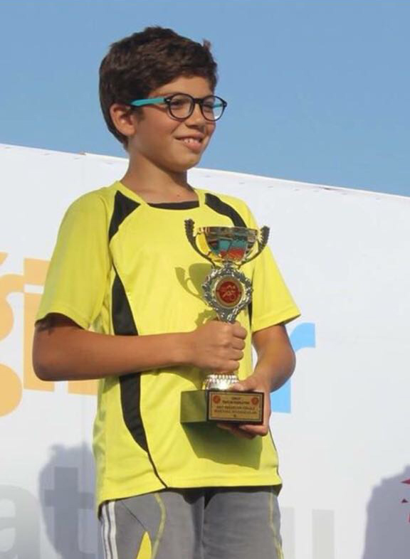 - Türkiye Triatlon Şampiyonası'nın Kuşadası seçmelerinde öğrencimiz Arda Arıcı Türk Milli Takımı'na Seçildi. Arda, 12 Eylül'de Makedonya'nın Ohrid şehrinde yapılacak olan Balkan Şampiyonası'nda ülkemizi temsil edecek.