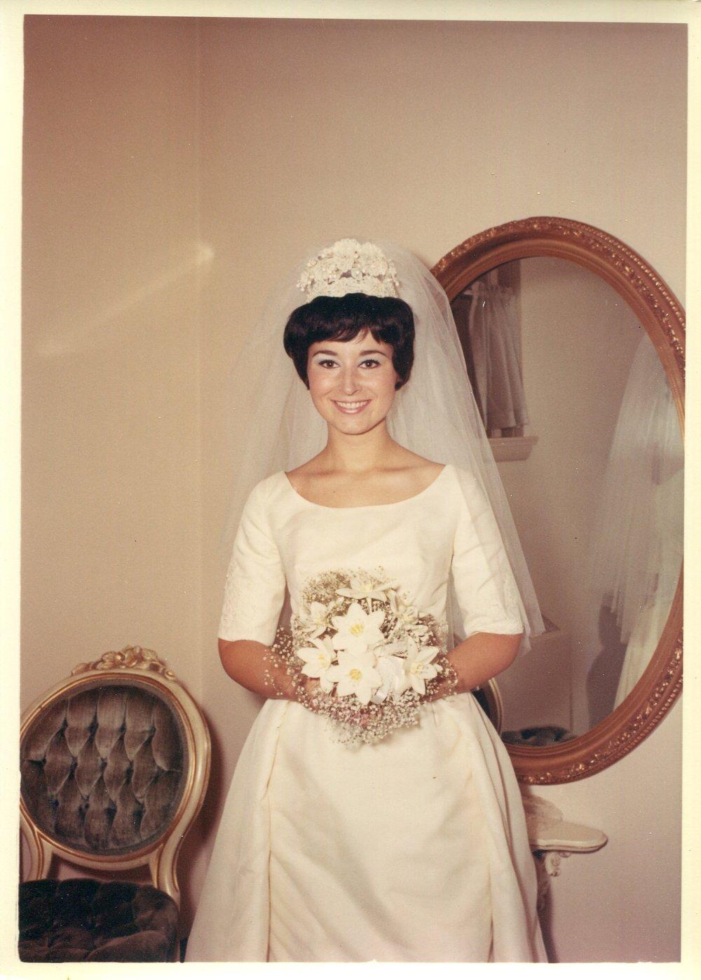 Mom&Fam_Wedding_002.jpg