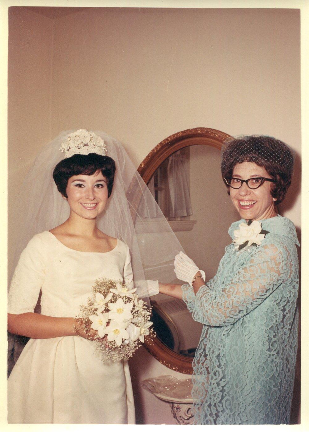 Mom&Fam_Wedding_001.jpg