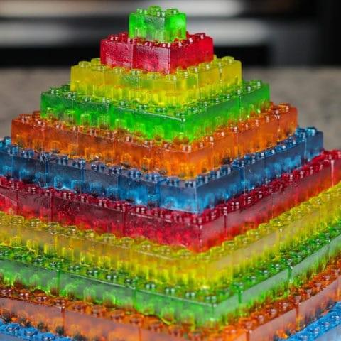 How-to-make-gummy-lego-jello-candy-diy-stackable-jello-gummy-lego-blocks-make-jello-lego-gummies-500x500.jpg