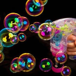 light-up-bubble-gun-blinkee-300x250.jpg