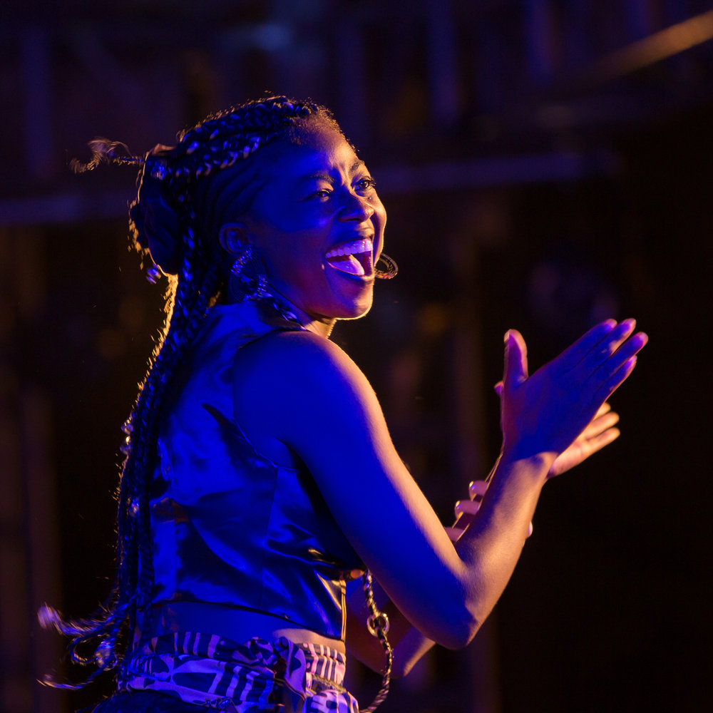 Lornoar's talent as a dancer shines alongside her music, songs that seamlessly meld Cameroonian makossa, even bikutsi with jazz. Her songs sung in the Eton tongue take on themes of violence against women or intolerance as well as abandonment and jealousy.