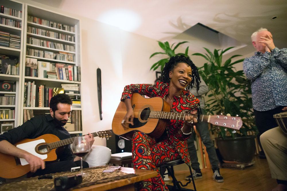 """Amit Peled and Natu Camara performing a few songs from """"Dimedi"""" at the video preview party"""