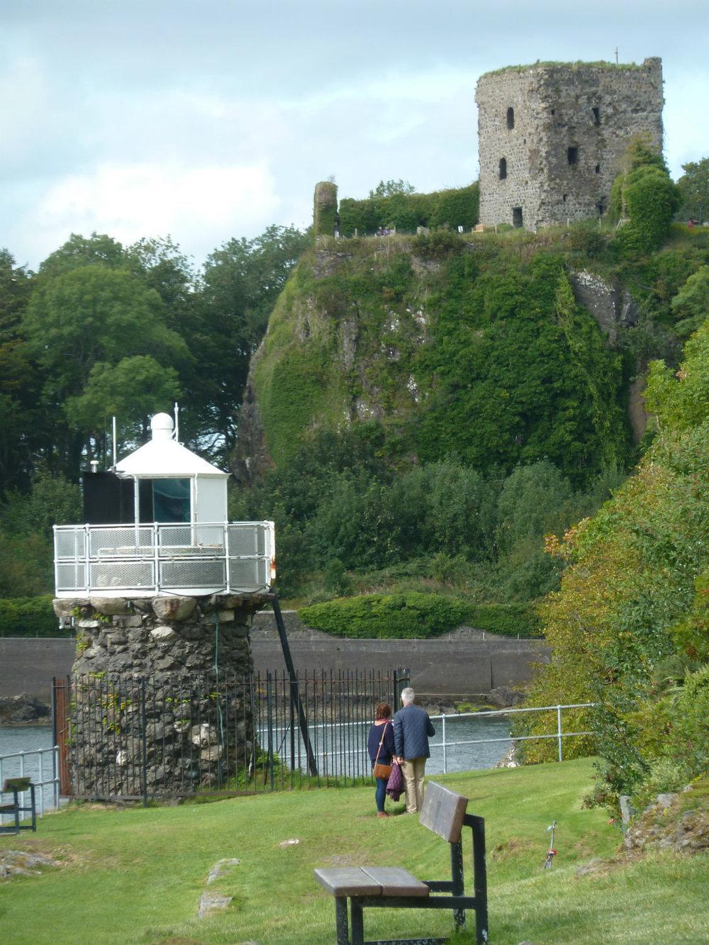 oban-dunolie-castle-lighthouse-8-1.jpg