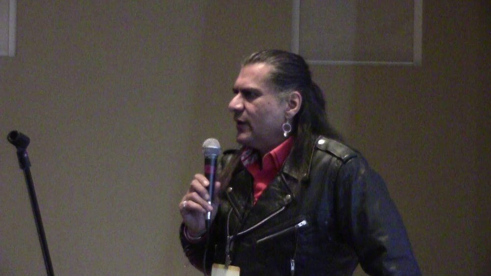 Jonathan Joss presenting at the inaugural Indigenous Comic Con 2016.
