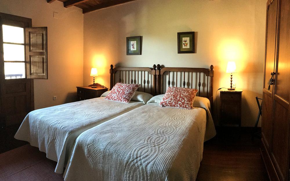 Habitaci+¦n Espinaredo corredor 01.jpg