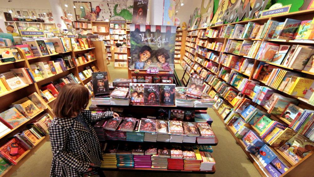 BOOKS-in-Store_1340_c.jpg