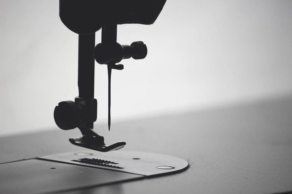 Closeknip Sewing Machine