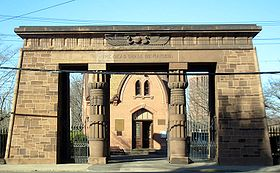 Austin Grove Street Cemetery Gate.jpg