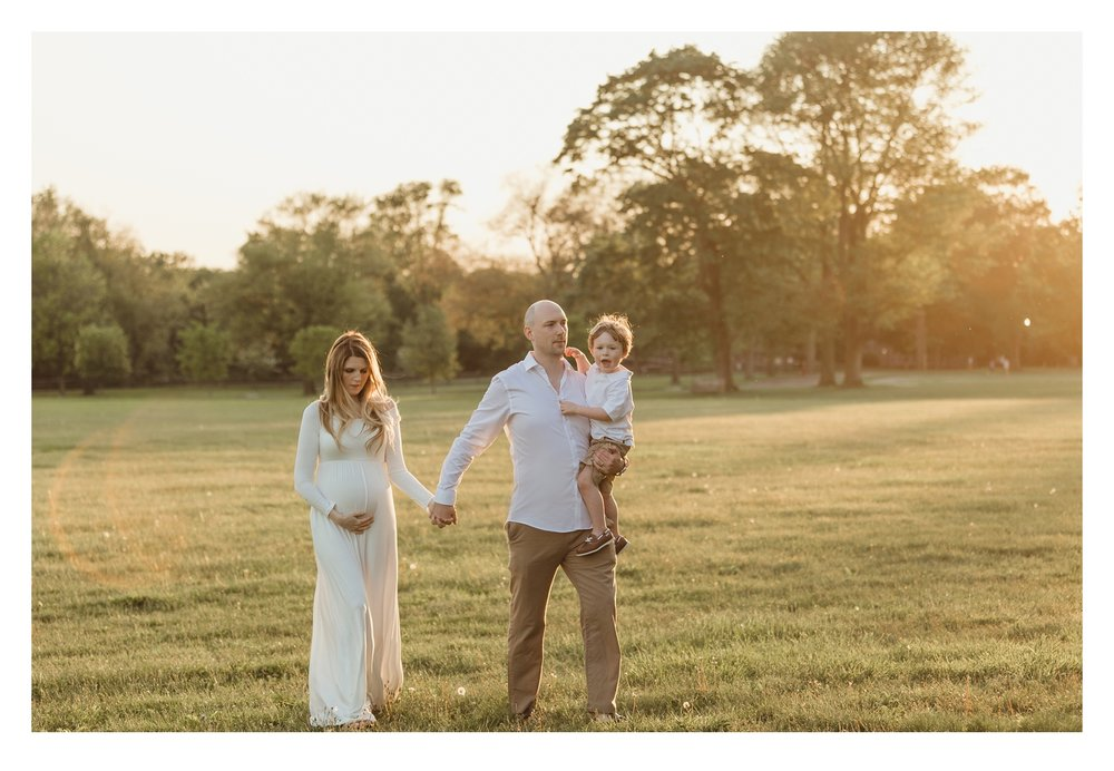 maternityphotographerfairfieldcountyct-wavenyparksunsetsession-kristinwoodphotography.jpg
