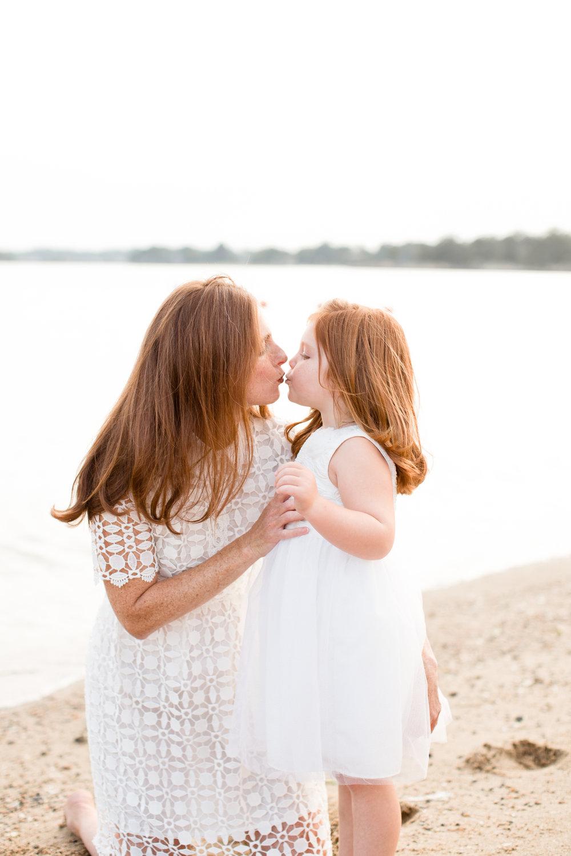 beachfamilysessionbyconnecticutphotographerkristinwoodphotography