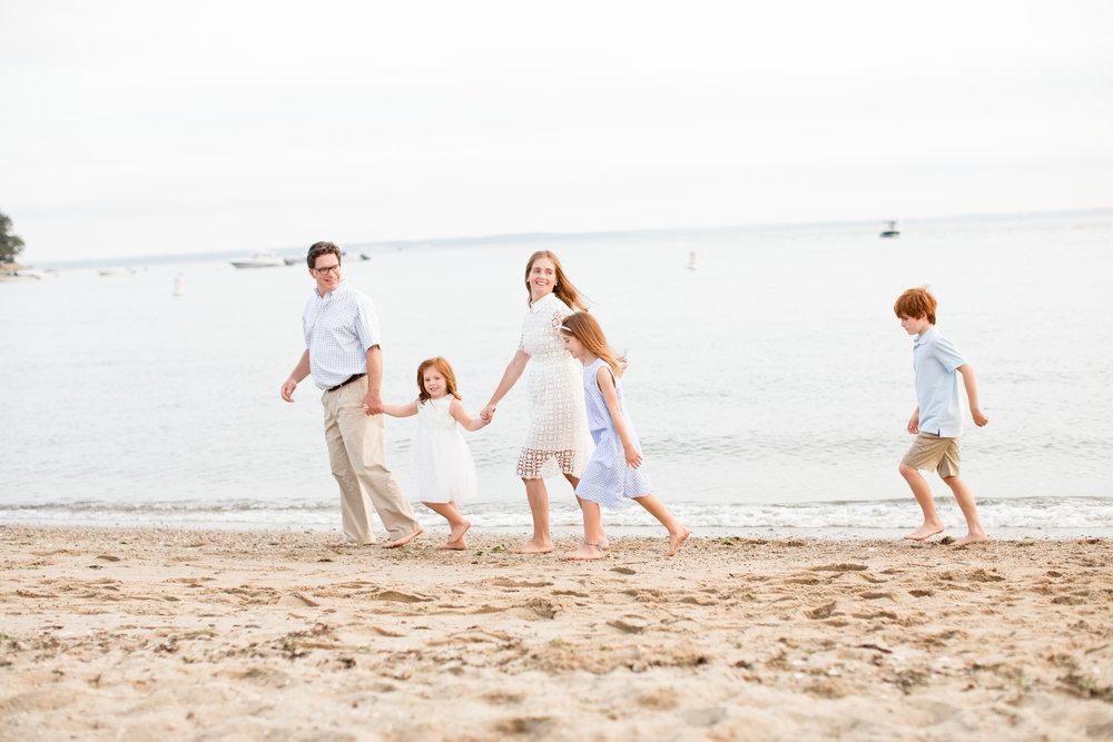 rowyatonbeachfamilysessionbyconnecticutphotographerkristinwoodphotography