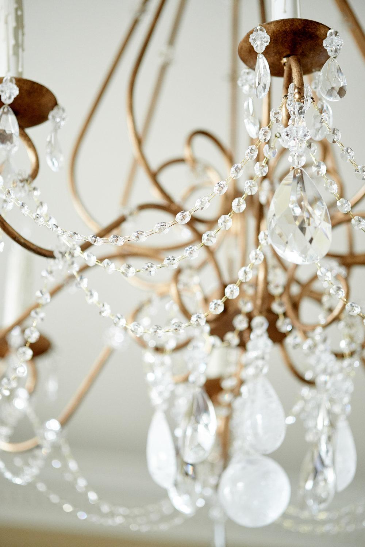 scmurphyllc_Living_room_chandelier.jpg