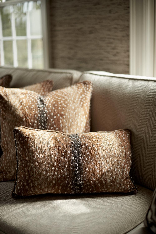 scmurphyllc_Living_room_fur_pillow.jpg