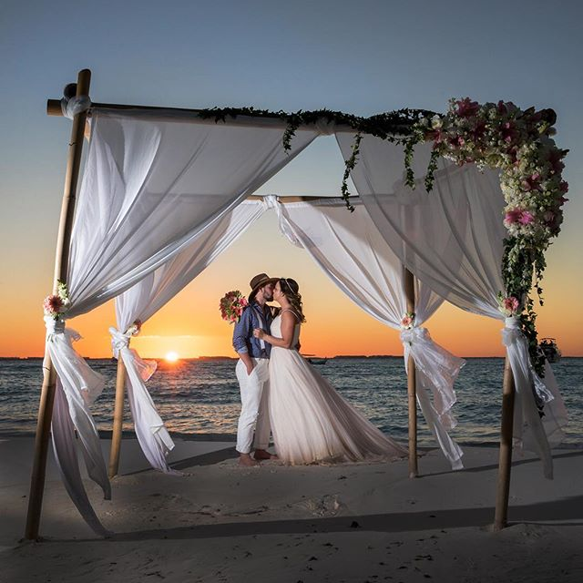 An incredible sunset for an incredible couple!  @miareefislamujeres #islamujereswedding #islamujeresweddings #islamujeresweddingphotographer #destinationweddingphotographer #mexicoweddingphotographer