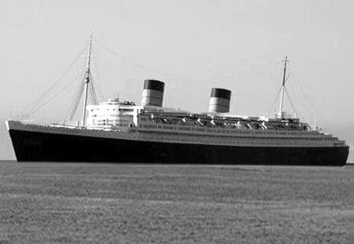 The RMS  Queen Elizabeth,  in her prime