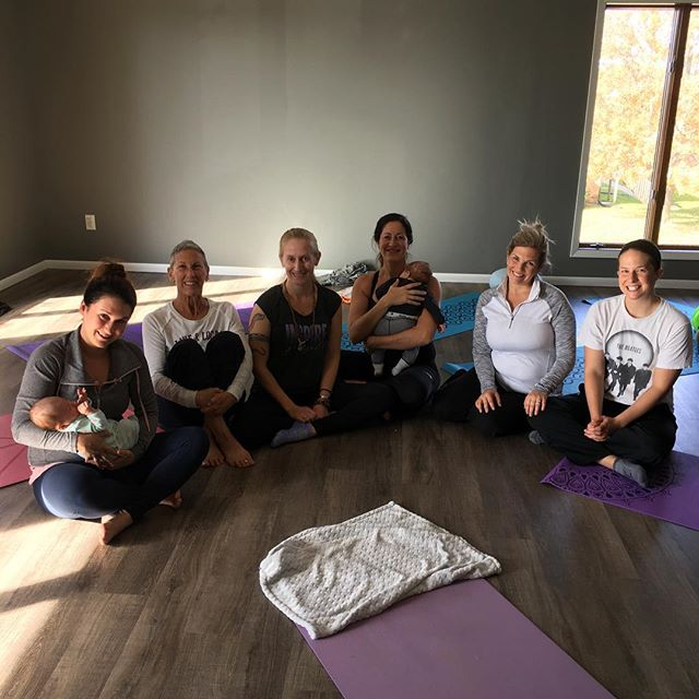 The October BIRTHFIT Postpartum Series finished yesterday!!! What a fantastic group of mamas to add to our tribe! I learned so much from them 💖💖💚💚! #birthfit #fitness #nutrition #mindset #connection #motherhoodmatters #tribe #slowisfast #postpartumisforever #movementislife @motherhoodmattersqc @born2breathe @nourish_lactation_services @laurenwillsdc