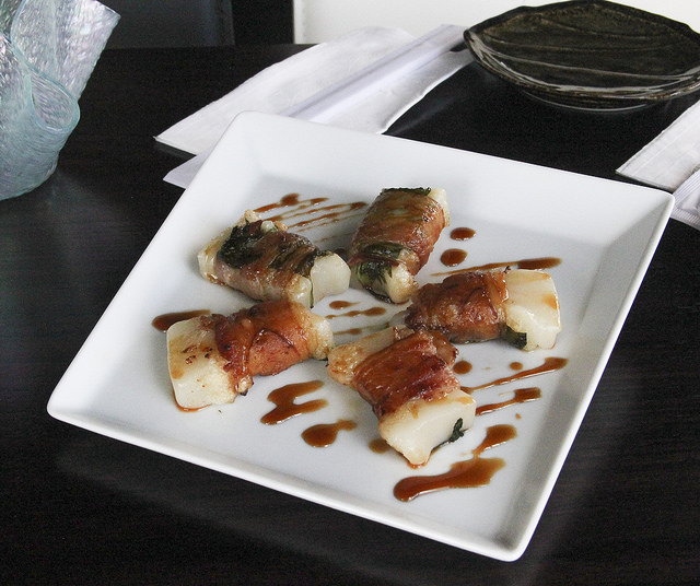 Bacon-wrapped Kiri Mochi