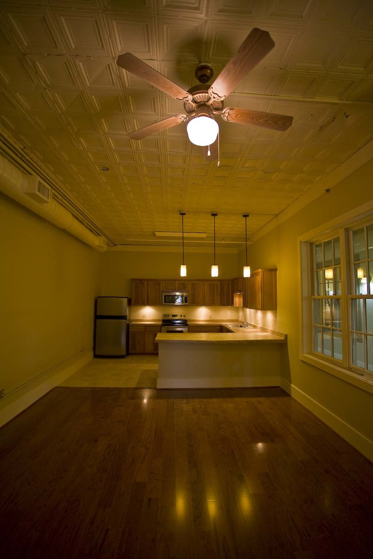 apartment-302_2.jpg