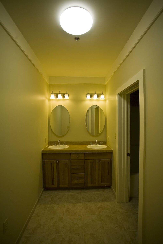 apartment-302_3.jpg