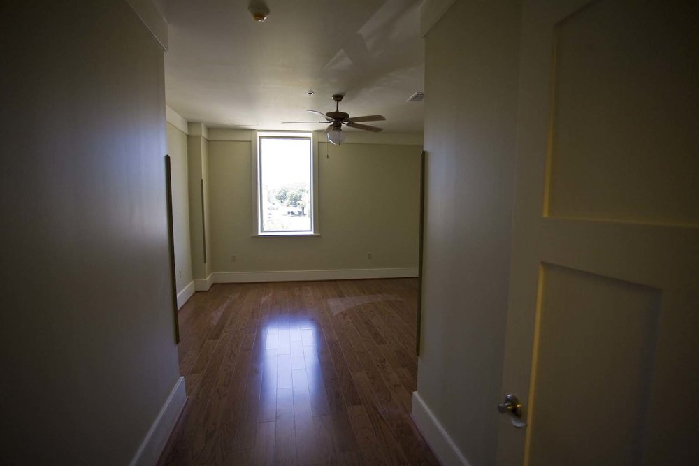 apartment-302_9.jpg