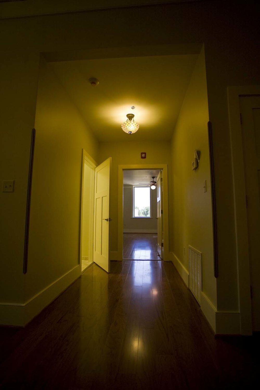 apartment-302_15.jpg