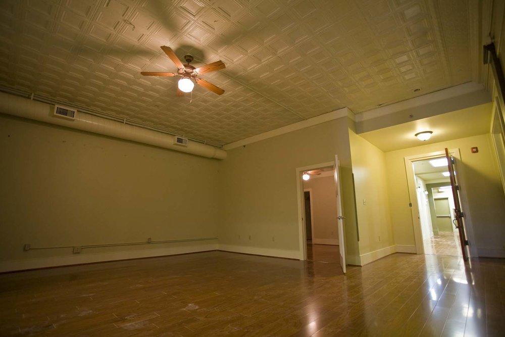 apartment-304_1.jpg
