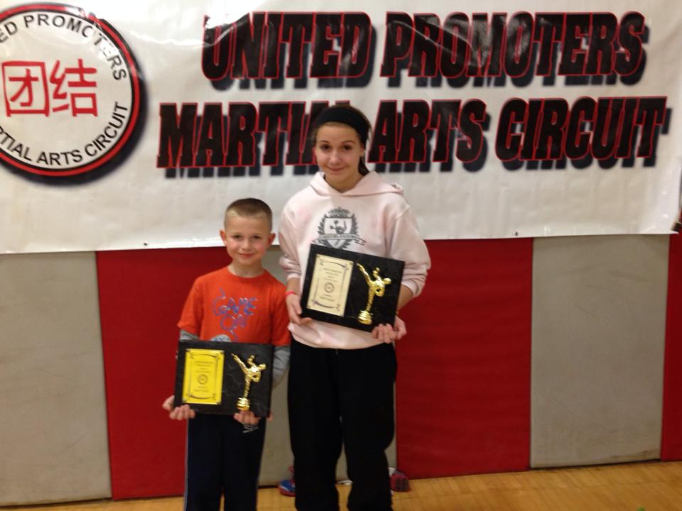 erin-and-gavin-with-plaques.jpg