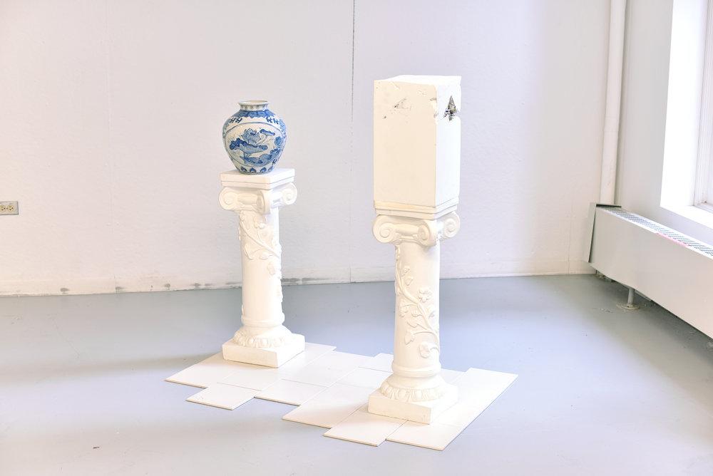 china cabinet  blue and white ceramic pot, blue and white ceramic dishes, plaster, plaster cast columns, ceramic tiles (2015)