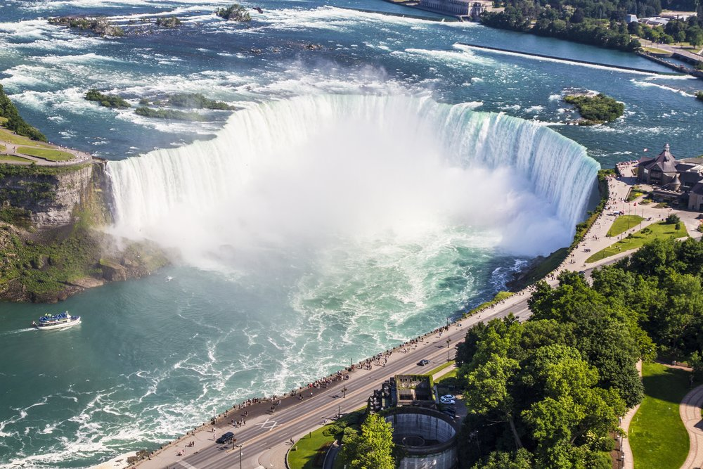 niagara-falls-waterfall-horseshoe-158398.jpg