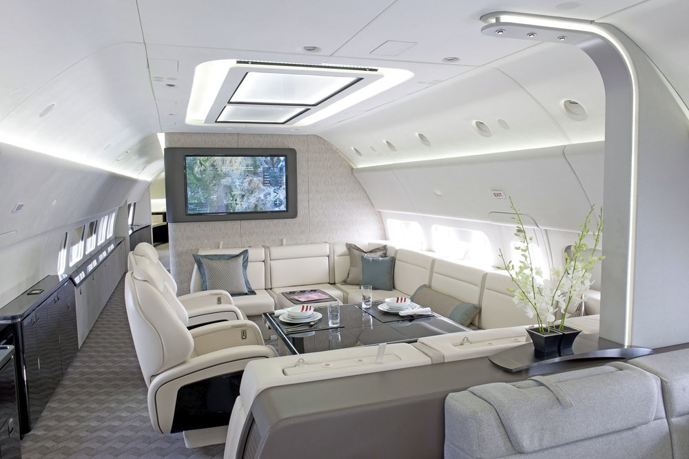 Boeing Business Jet Dining