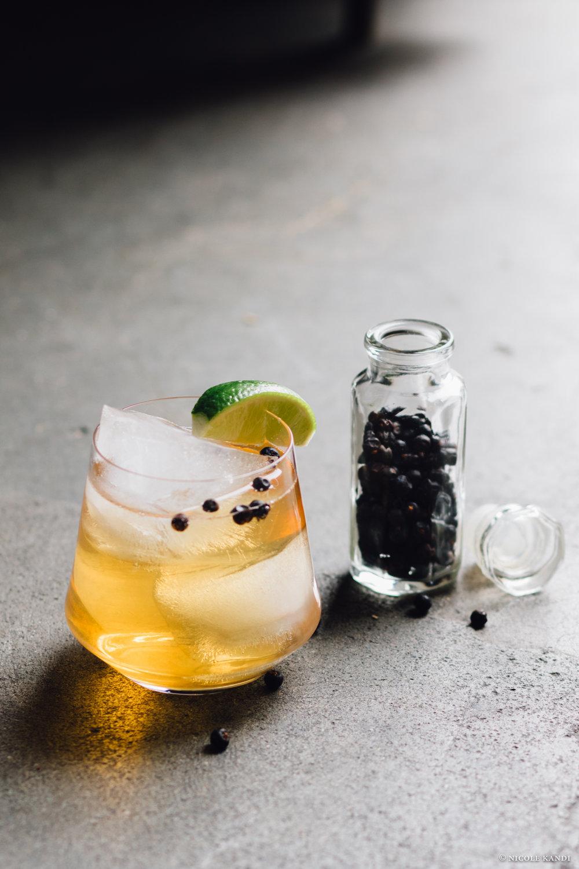 gin_lime_oolacroixtails-2.jpg
