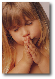 Little girl praying - small