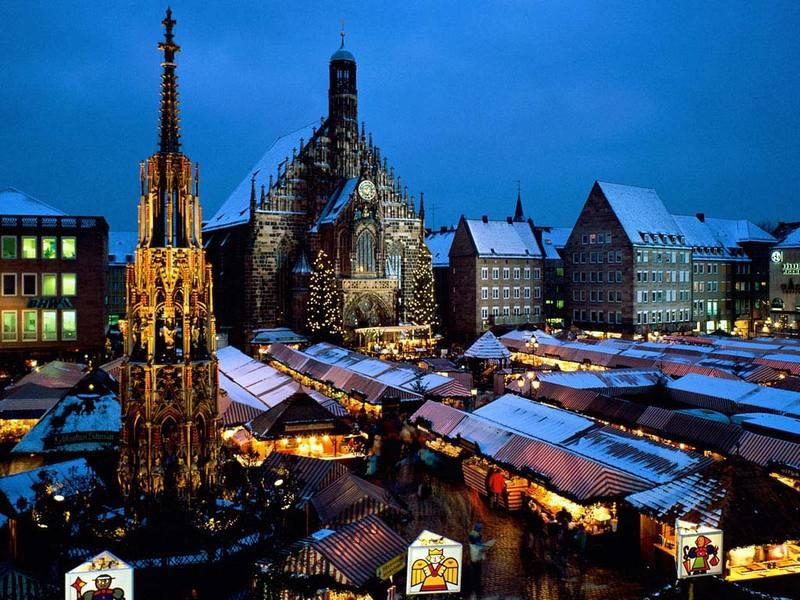 Christkindl_market_nuremberg_bavari