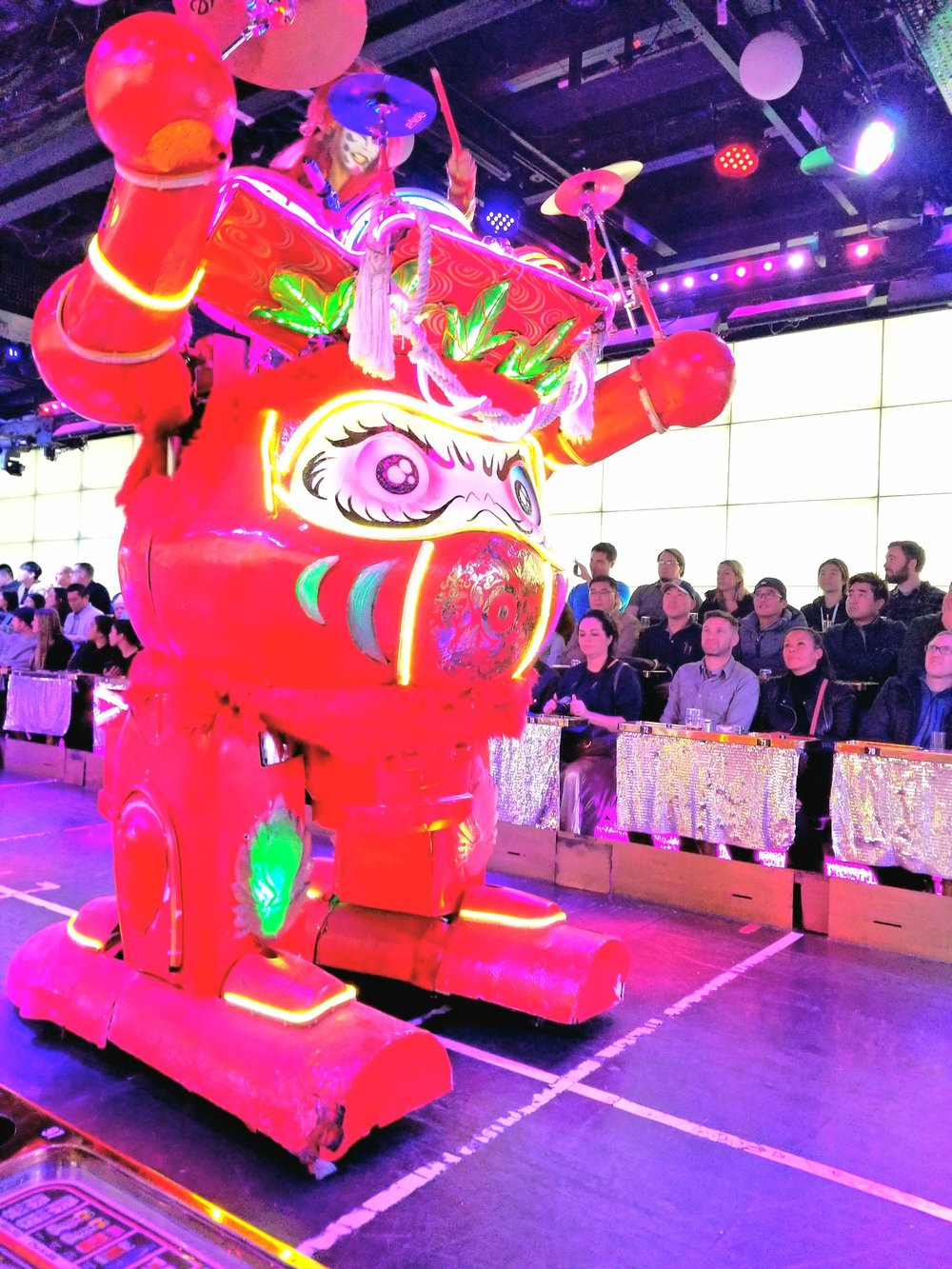 uprooted-traveler-robot-restaurant-foolproof-guide-to-tokyo