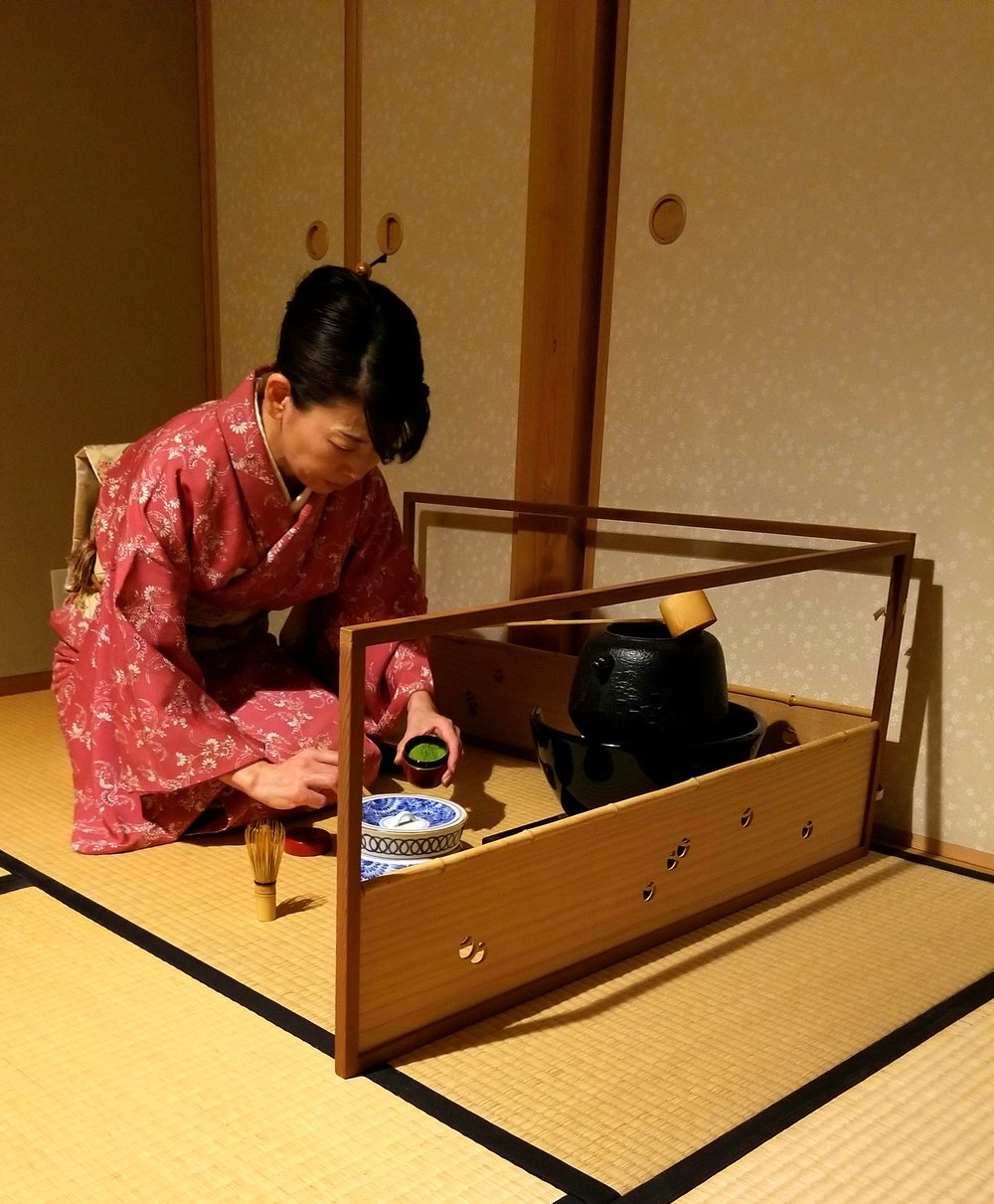 uprooted-traveler-kyoto-tea-ceremony-camellia-vegan-guide.jpg