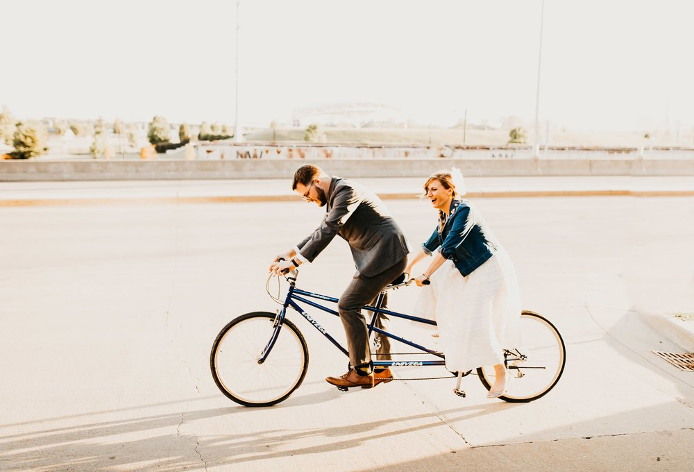 uprooted-traveler-courtney-smith-tandem-bicycle-honeymoon-registry-wanderable-honeyfund