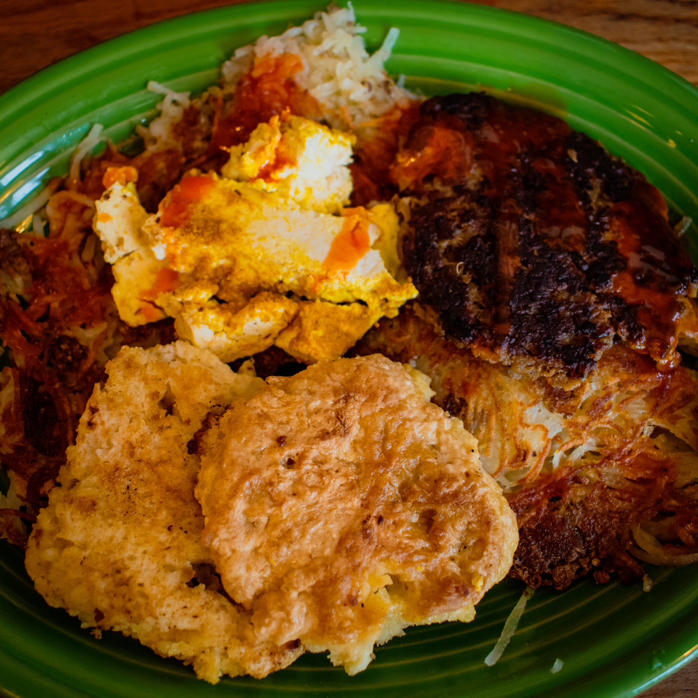 uprooted-traveler-hard-times-cafe-minneapolis-st-paul-vegan-biscuit-breakfast.jpg