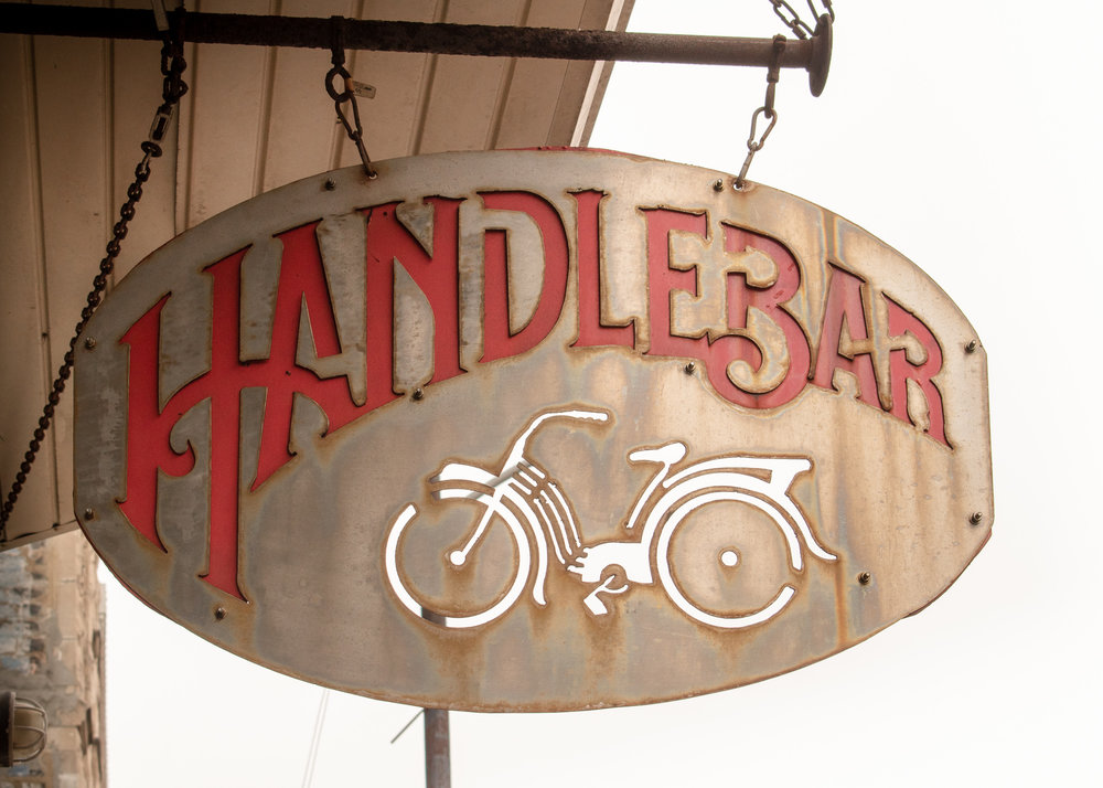 Uprooted-Traveler-Vegan-Food-Guide-Chicago-Handlebar-exterior-wicker-park.jpg