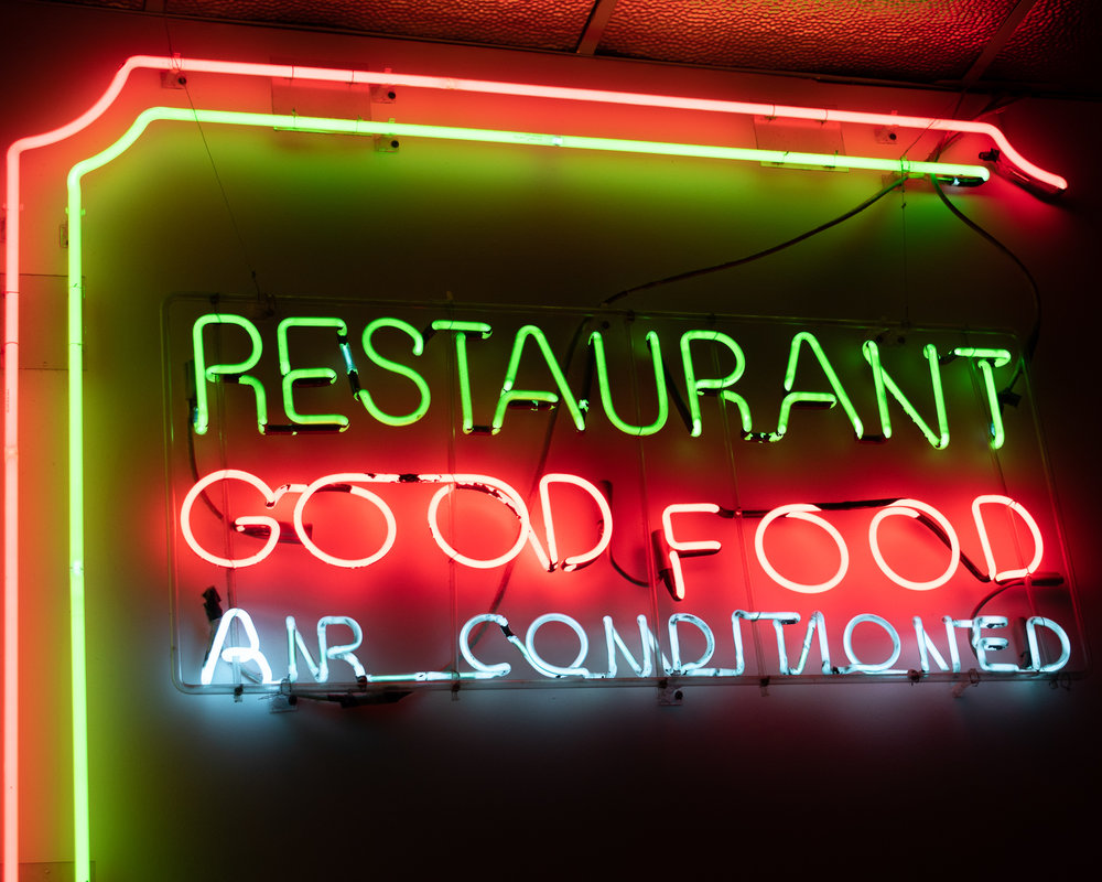 Uprooted-Traveler-Vegan-Food-Guide-Chicago-Chicago-Diner-neon-boystown.jpg