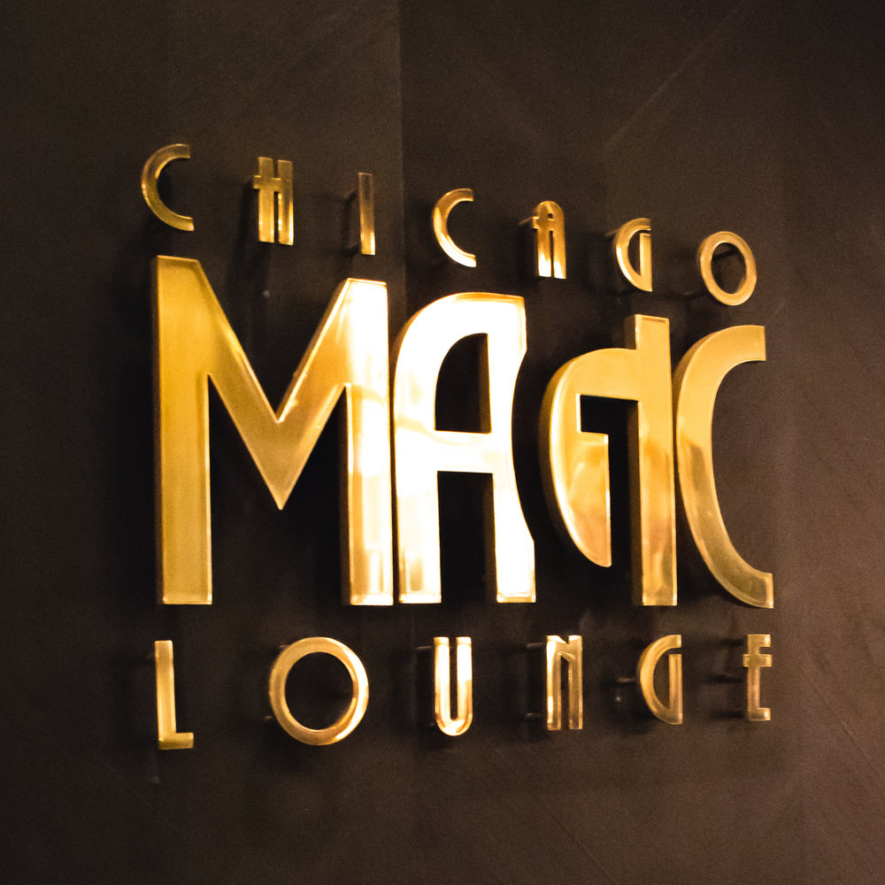 uprooted-traveler-chicago-illinois-what-to-do-magic-lounge