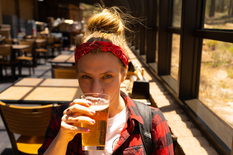 uprooted-traveler-grand-canyon-yavapai-lodge-restaurant-vegan-beer (1).jpg