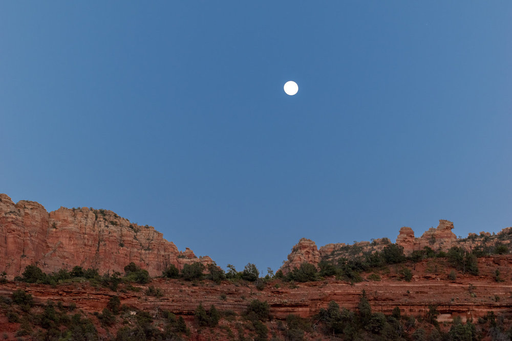 uprooted-traveler-moon-sedona-red-rock-vegan-road-trip.jpg