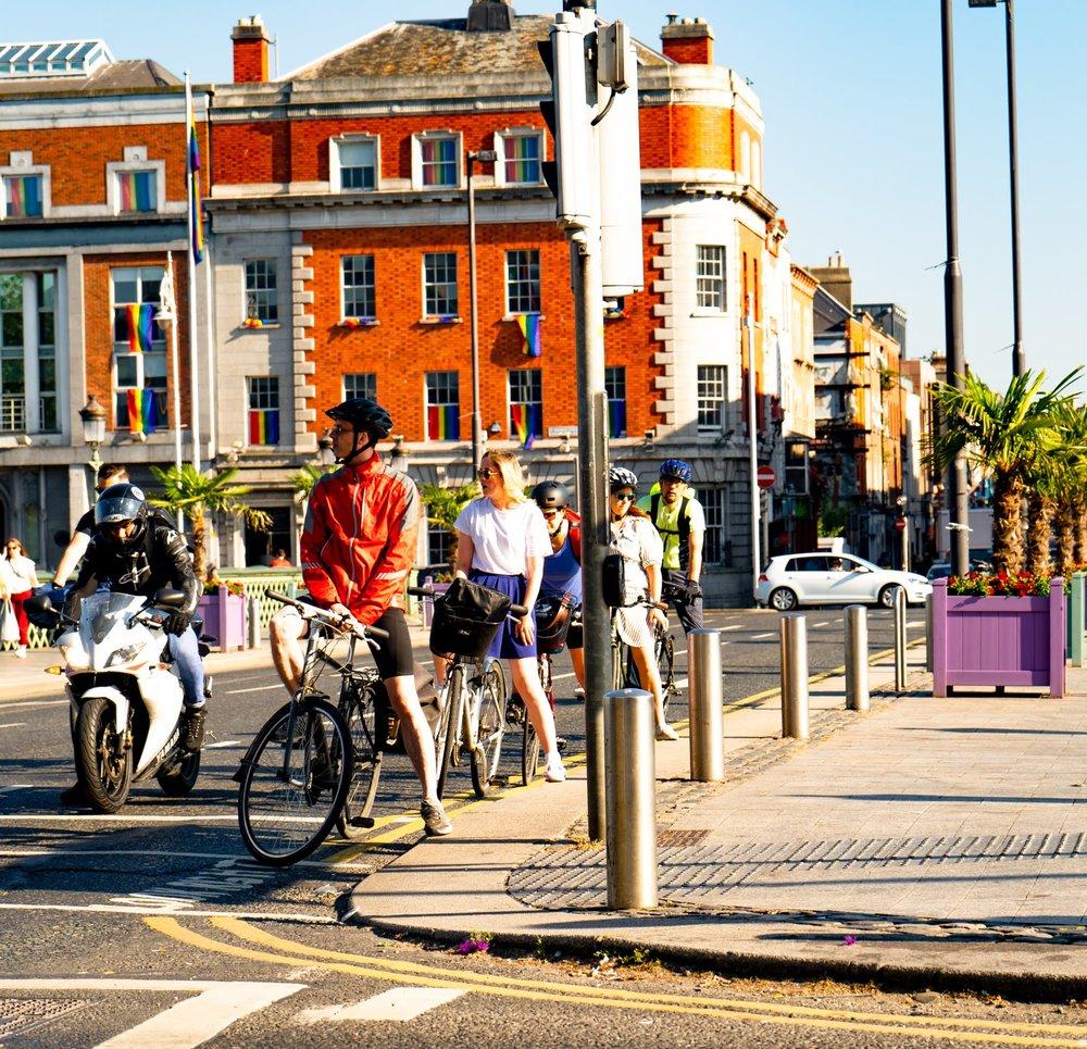 uprooted-traveler-dublin-dublin-vegan-guide-48-hours-bicycle-city-center.jpg