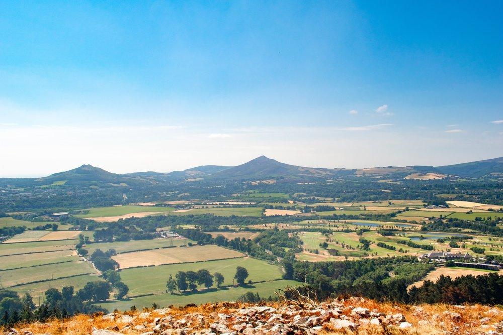 uprooted-traveler-dublin-Barnaslingan-mountains-ireland-vegan-guide.jpg