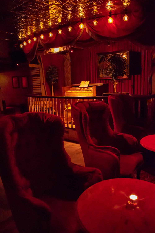 uprooted-traveler-dublin-ireland-vegan-guide-the-liquor-rooms.jpg