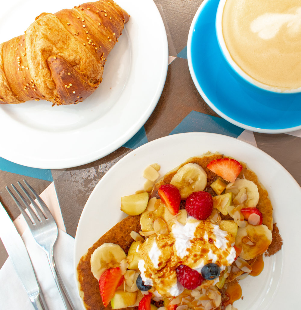 uprooted-traveler-paris-france-cloudcakes-vegan-coffee-guide-pancakes-croissant.jpg