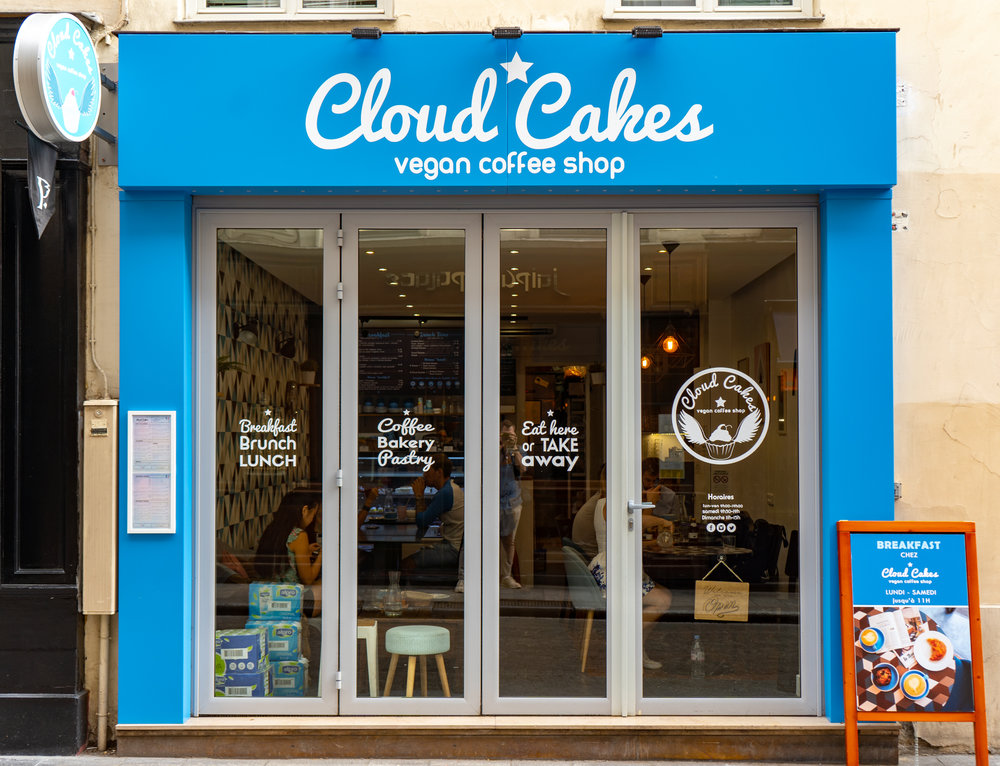uprooted-traveler-paris-vegan-coffee-shop-cloudcakes.jpg